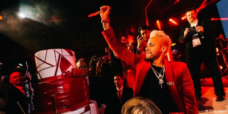 Neymar, une grosse fête se prépare à Paris...