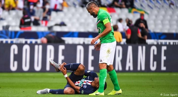"""""""Perrin n'a pas fait exprès, il a essayé de toucher le ballon. Ça pouvait passer"""""""